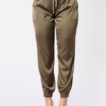 The Girl In Your Dreams Pants - Olive