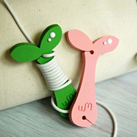 WM rubber Sprout earphone cable organizer winder