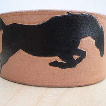Hand Painted Leather Horse Cuff, Handmade Leather Equestrian Cuff, Leather Horse Bracelet, Horse Jewelry, Equestrian Cuff, Western Cuff