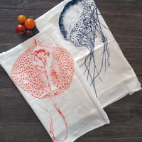 Towel Set of 2 - Jellyfish & Stingray - Multi-Purpose Flour Sack Bar Towels - Renewable Natural Cotton