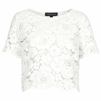 TALL SCALLOP LACE CROPPED TEE