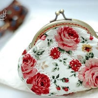 Coin purse, vintage floral strawberry print cotton purse, Metal frame, hand sewing, quilt, clutch purse, teenage girls, women accessory