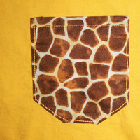 Yellow Shirt / Giraffe Frocket