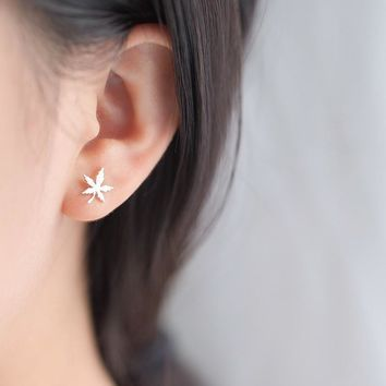 925 Sterling Silver Girls Maple Leaf Stud Earrings For Women Fashion Korean Style Hipster Student Cute S925 Jewelry Accessories