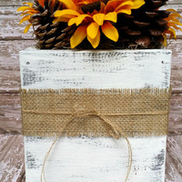 Sunflower and Pinecone Centerpiece with Distressed Wooden Box, Rustic Wedding Decor, Wedding Centerpiece, Shabby Chic Decor