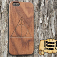 Deathly Hallows, Harry Potter, Engraved iPhone 6 / 5 / 5s Wood Case, Made from Genuine Walnut or Cherry