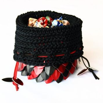 Crochet Scalemail Dice Bag (Red/Green)