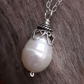 White Freshwater Pearl Pendant Necklace - Single Pearl Necklace - Bridal Jewelry - Wedding Necklace - June Birthstone - Anniversary Gift