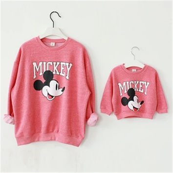 Maggie's Walker Family Matching Outfit Set Mother and Daughter Clothes Baby and Mom Mickey Shirt Christmas Sweaters Minnie