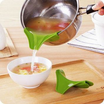 Silicone Soup Funnel Kitchen Gadget Tools Water Deflector