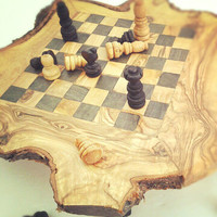 Olive wood chess set / board (Small) with FREE pieces - BLACK SQUARES