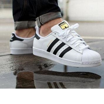 CREY9N Adidas' Fashion Shell-toe Flats Sneakers Sport Shoes white black golden flag