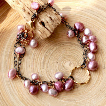 Mixed metals pearl bracelet, Gold and oxidized silver chain bracelet with magenta and purple-lilac pearls. Jewelry trends 2015. Prom gift