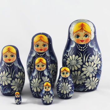 Matryoshka Russian Nesting Doll Babushka Beautiful Blue Sundress Camomiles Set 7 Pieces Pcs Hand Painted Handmade Souvenir Gift Handicraft