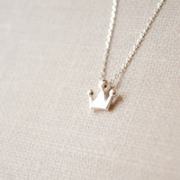 925 Sterling Silver tiny crown necklace,simple silver necklace