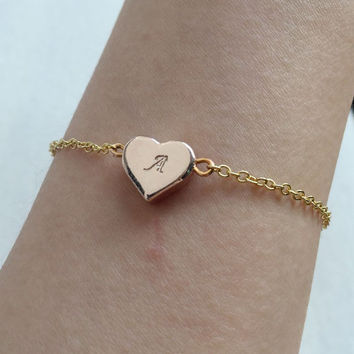 Gold disc bracelet, Gold initial bracelet, Gold chain bracelet, Mothers jewelry, Bridesmaid gift