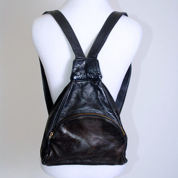 Vintage 1990 Medium Size BLACK soft distressed LEATHER Side Zip BACKPACK rucksack