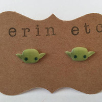 Handmade Plastic Fandom Earrings - Movie - Yoda