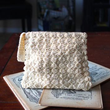 Vintage 1940's Cream Colored Rectangular Corde Crochet Wristlet Purse