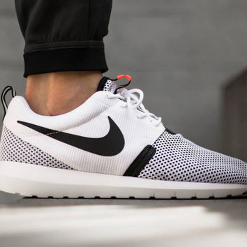 Nike Roshe One (White/Hot Lava NM Breeze)