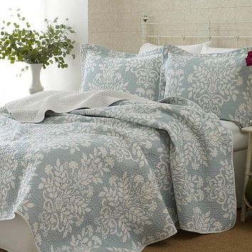 100% Cotton Twin Size 2-Piece Quilt Set with Coverlet & Sham in Blue White Floral Pattern