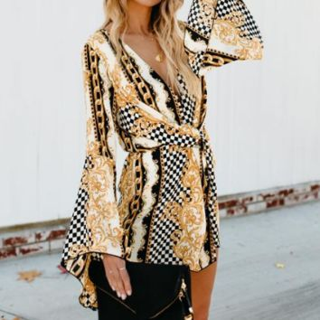 Summer new women's fashion explosion print trumpet sleeve dress