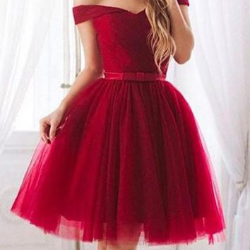 Red Off Shoulder Short Sleeve Tulle Homecoming Dresses Knee Length With Bowknot