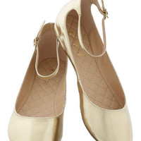 ModCloth Dessert Dash Flat in Gold