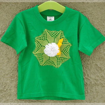 Kids green shirt with green crochet doily applique and ribbon rosette SIZE 3-4T, kids upcycled t-shirt, girls cotton t-shirt vintage