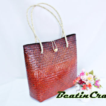 The Unique modern concepts Basket bag Woven Weave from Sedge(Plant) Tinted Imbue colors gorgeous bag for daily use.