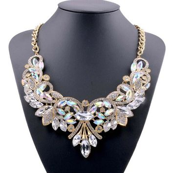 Luxury Ravishing Exaggerated Simulated Flower Choker Chain Necklace Alloy Statement Necklace Fashion Jewelry