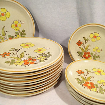 Hearthside Garden Festival Sunshine Flowers Stoneware Dinnerware Dinner Plates and Salad plates 17 piece set