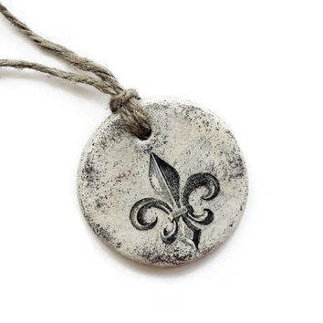 Fleur De Lis Ornament, French Country, Rustic Cottage, French Decor, Shabby French, Gift Idea