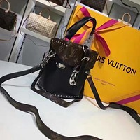 LV Louis Vuitton WOMEN'S MONOGRAM LEATHER CAMERA BOX HANDBAG SHOULDER BAG
