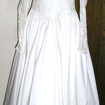 Laura Ashley Great Britain white wedding gown tea length renaissance lace woodland style UK 16 US 12 embroidered veil