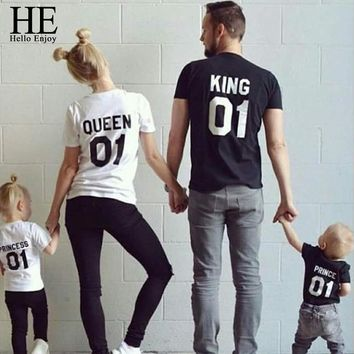 HE Hello Enjoy Family Matching Outfits Look Father Son Mother Daughter T-shirt Print King Queen Tops Tees Kids Girl Boys Clothes