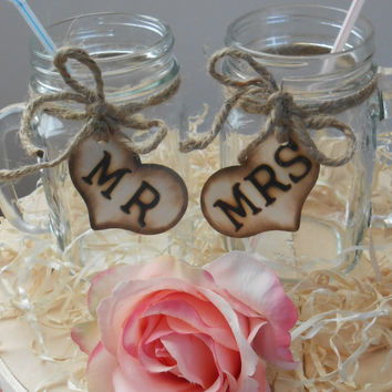 SALE Mason Jar Wedding Glasses / Mr. and Mrs. Toasting Glasses / Rustic Wedding Table Settings