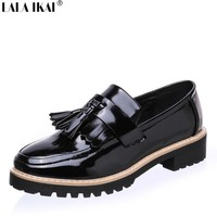 Women Slip on Loafers Shoes Patent Leather Brogues Fringe Shoes Woman Oxford Shoes for