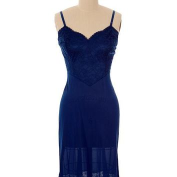 Vintage Full Slip Navy Blue Vanity Fair Size 36 Tall 1970s