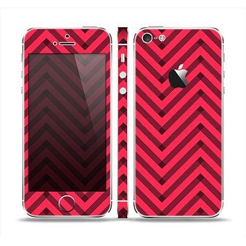 The Red & Black Sketch Chevron Skin Set for the Apple iPhone 5