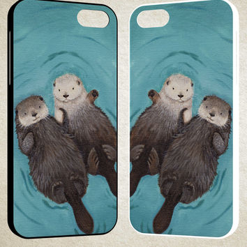 Otterly Romantic Otters Holding Hands A1686 iPhone 4S 5S 5C 6 6Plus, iPod 4 5, LG G2 G3, Sony Z2 Case