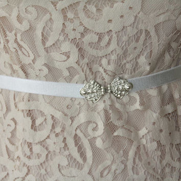 Vintage-Style White Bridal Waist Belt - Silver Buckle - Bridal Silver Belt - Wedding Belt - Elastic Belt - Skinny Belt - Party Belt
