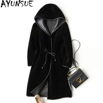 AYUNSUE 2018 New Wool Real Fur Coat For Women Winter Sheep Jackets And Coats Long Hooded PU Leather Lining Overcoat WYQ757