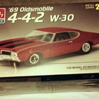 '69 Oldsmobile 4-4-2 W-30 1/25 Scale AMT1996 Model Kit Level 2 MIB ShrinkWrap