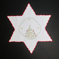 Vintage Linens: Christmas Tree Embroidered Doily