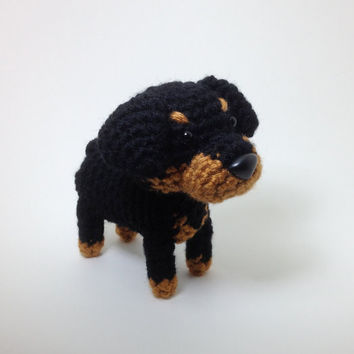 Rottweiler Amigurumi Dog Crochet Dog Stuffed Animal Doll / Made to Order