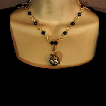 Aromatherapy Necklace - Beautiful Gold Locket and Black Pearls