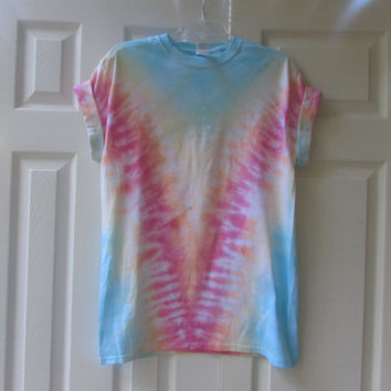 "Casual and Colorful Unisex ""V"" Tie Dyed Pattern Tee Shirt"