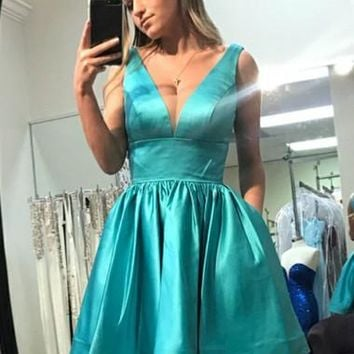 Turquoise V-neck Stain Short Homecoming Dresses With Pocket