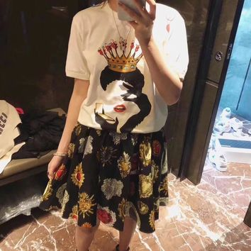 """Dolce & Gabbana"" Women Temperament Retro Fashion Crown Poker Print Short Sleeve T-shirt Skirt Set Two-Piece"
